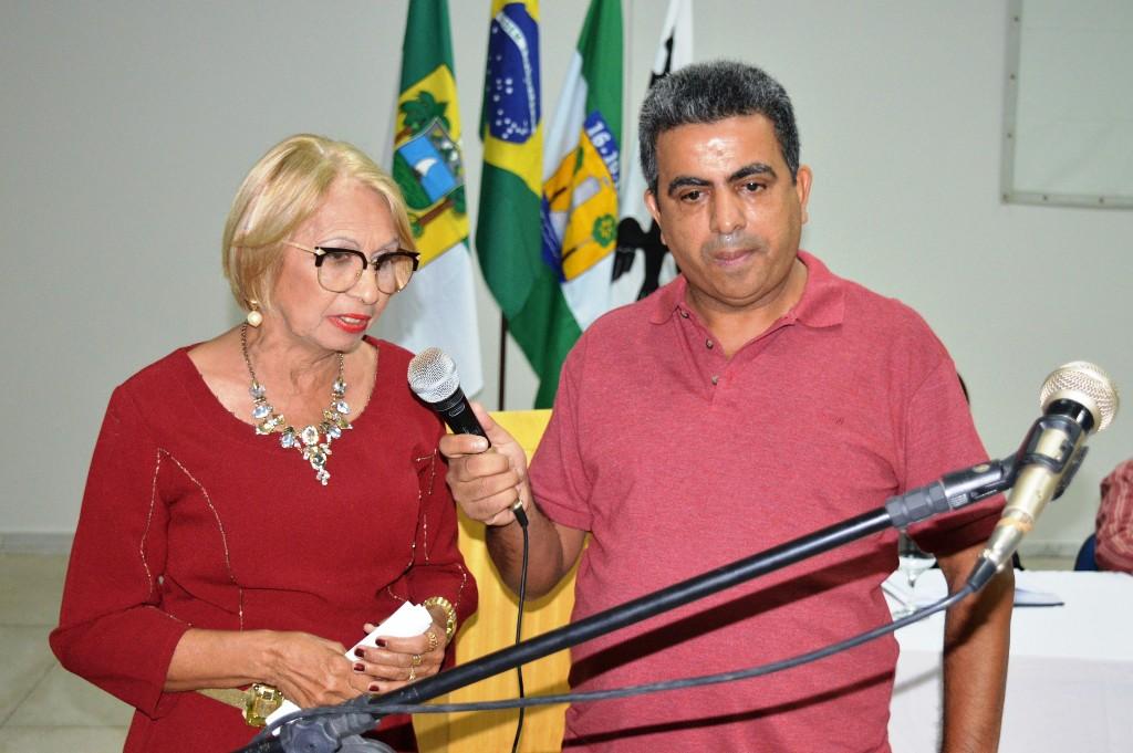 A docente aposentada Luzinete Cabral