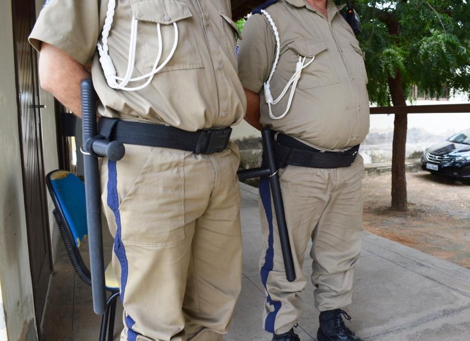 * Desastre do padrinho: Hospital de Caraúbas teve serviço de segurança suspenso devido a falta de pagamento.
